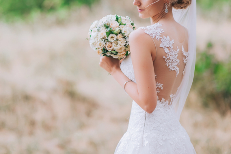 5 Online Stores For Wedding Dresses