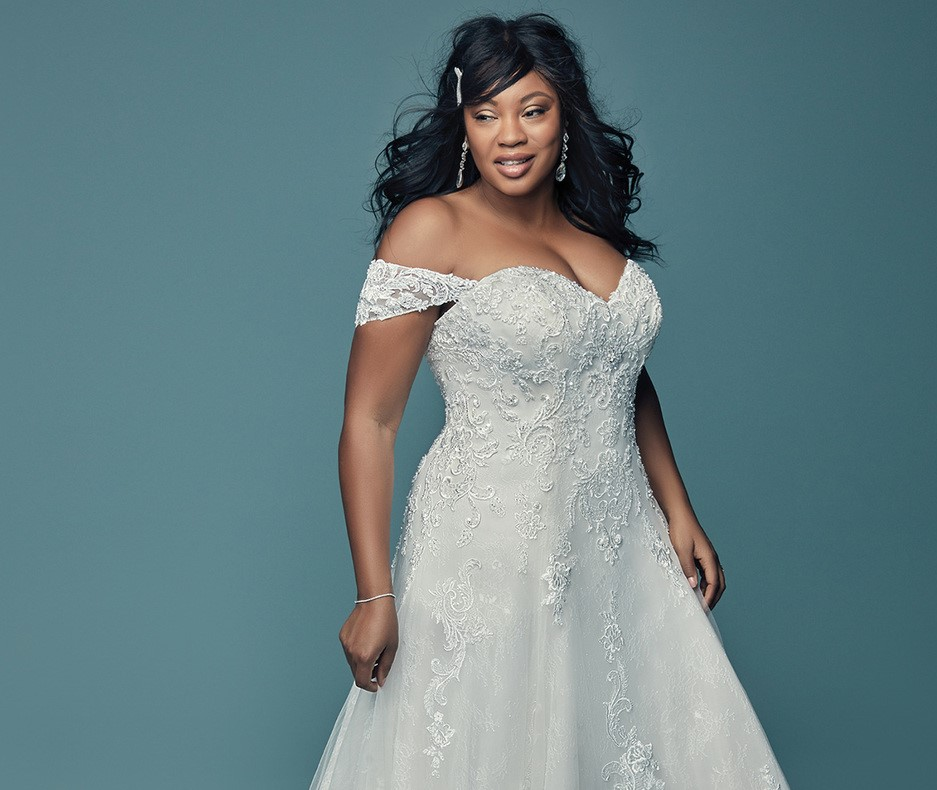 Wedding Outfits For Curvy Women